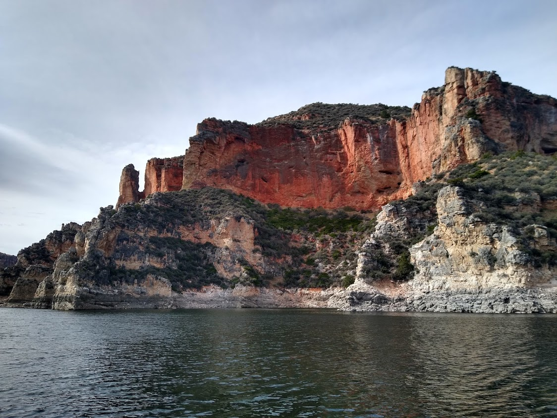 Professionally Guided Sight-Seeing in the Bighorn Lake and Canyon